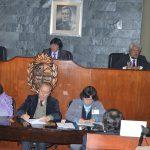 6- Presidiendo sesión